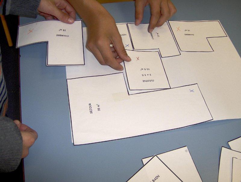 Technologie en 5ème : Réalisation d'une maquette de maison - Collège Raoul Dufy